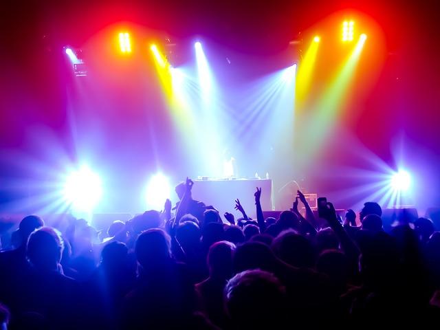 concert-852575_640