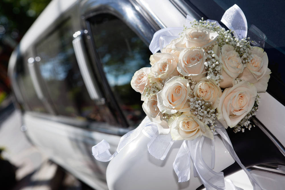 Limusinas lujosas para bodas carísimas